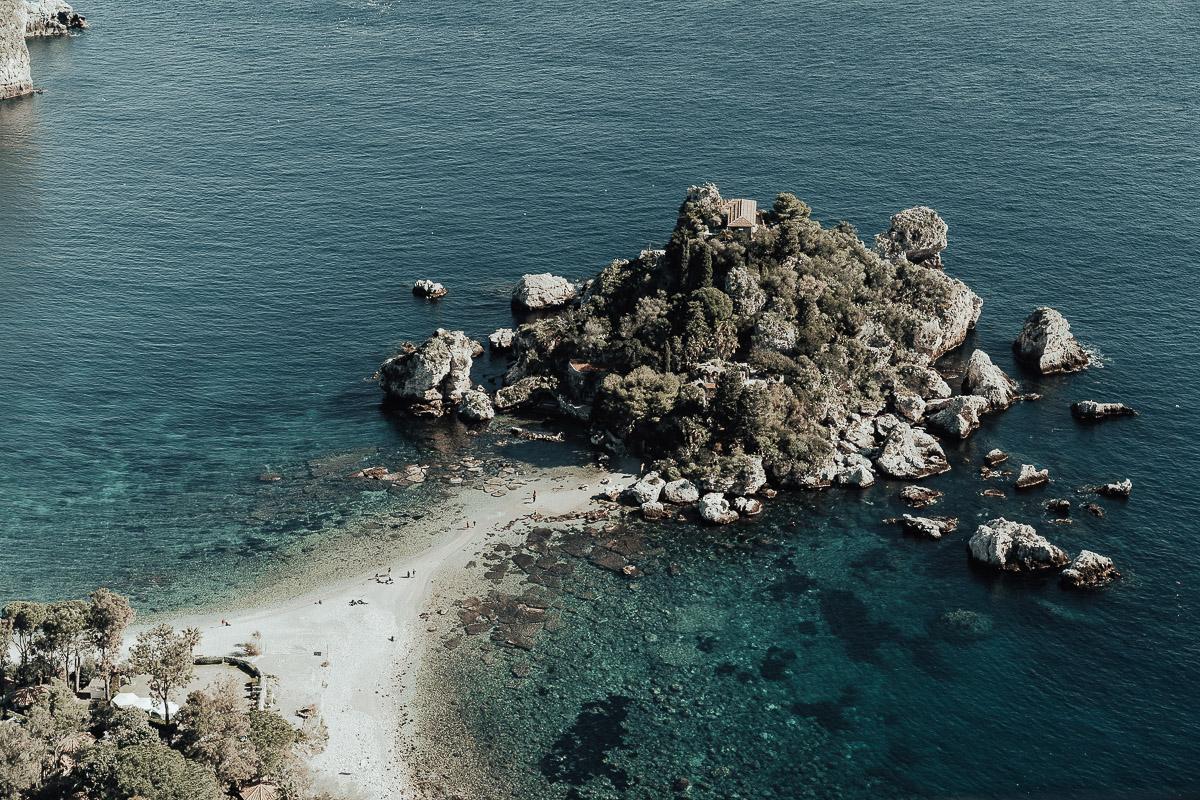 foto dell'isola bella a taormina